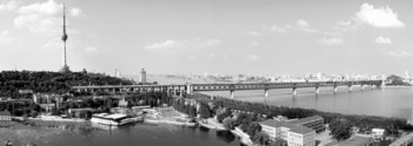 武汉龟山电视塔,长江大桥远眺