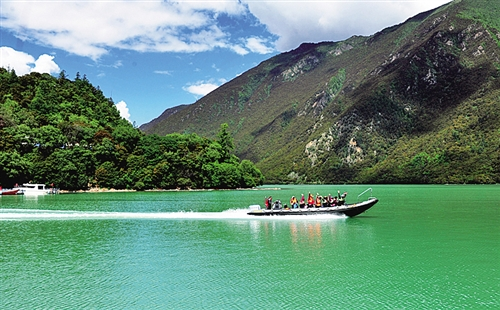 """西藏林芝:打造生态旅游的""""高原样本"""""""