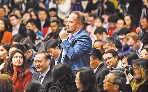 国际投资机构认为  中国两会为改革营造有利环境