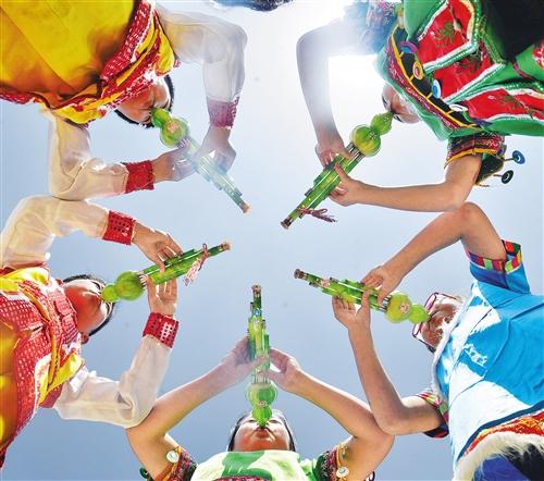 葫芦丝发源于云南德宏傣族景颇族自治州梁河县,主要流行于云南德宏