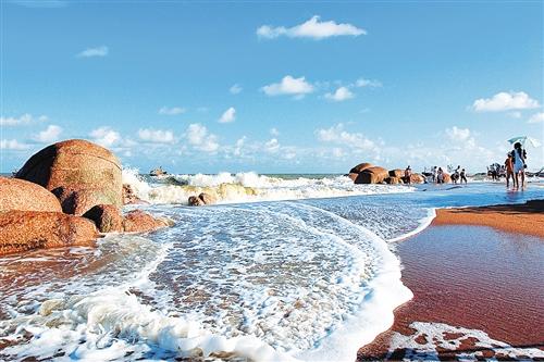 在广西旅游发展委的指导下,北海,钦州,防城港,百色和崇左市抱团整合