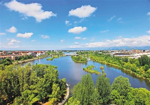 和岳�y`f��,_国家森林城市创建让延庆的山更绿,水更清,天更蓝. (资料图片)